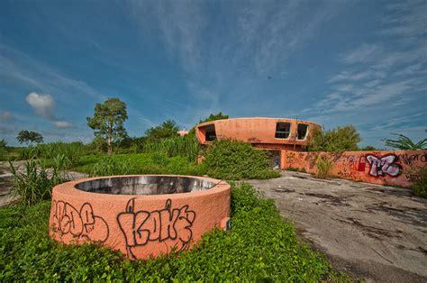 alien house abandoned alien homestead forsaken ufo house in florida urbanist