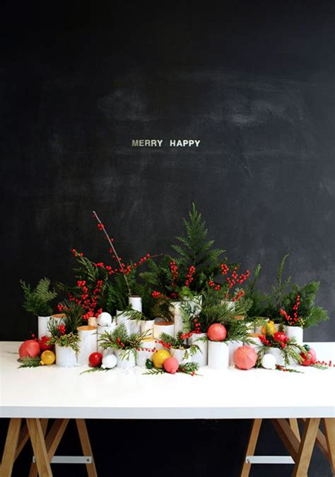 fresh centerpieces free shipping 12 beautiful table settings for the holidays tip junkie