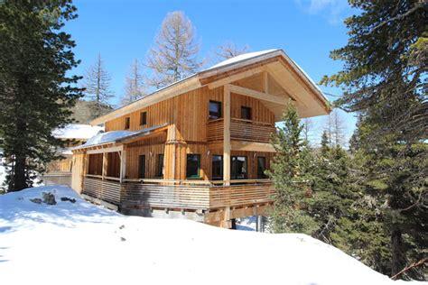 luxe houten chalet  oostenrijk voor  personenvakanties voor grote gezinnen