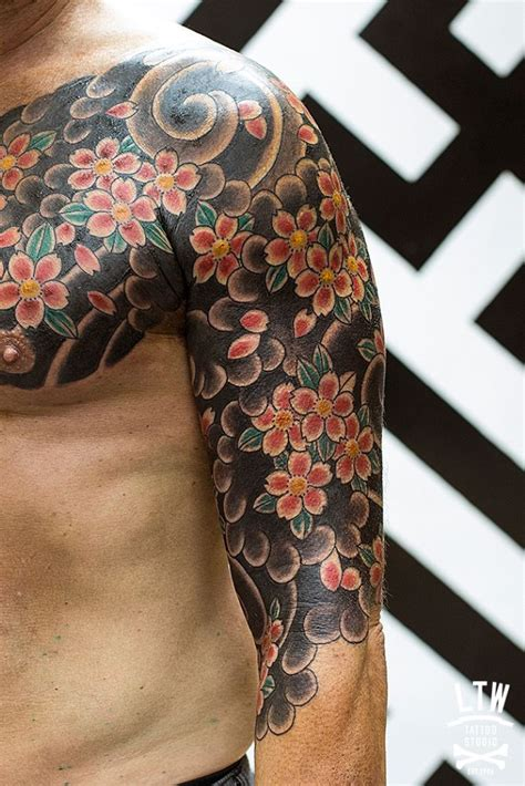 yakuza tattoo flower the meaning behind 5 of the most popular japanese tattoo