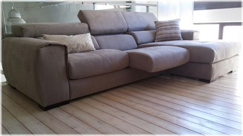 divani offerta offerta divano in tessuto con penisola grigio scuro