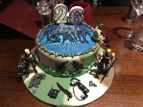 bday cakes fornite