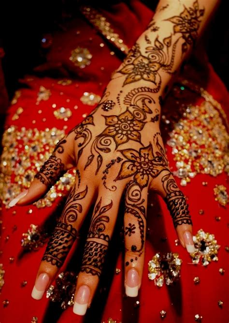 body tattoo in kerala gorgeous henna i like the finger details for the