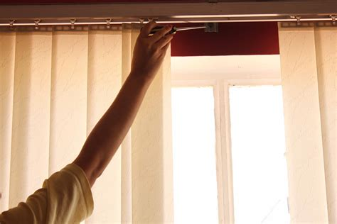 How Do You Clean L Shades by Tips On How To Clean Wooden Blinds Easily