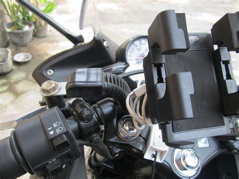 Holder Hp Di Motor Charger Bracket Di Spion Stang Matic Bebek Sport memasang gps atau handphone dan charger pada motor bro biker