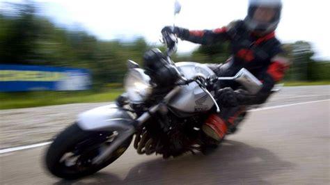 Motorrad Versichern Mit 16 by Versicherungen Die Preise Purzeln Bei Motorrad Policen Welt
