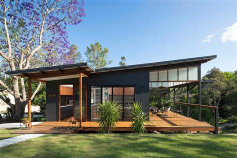 architect designed house plans this modern tropical home is a granny flat for a hip