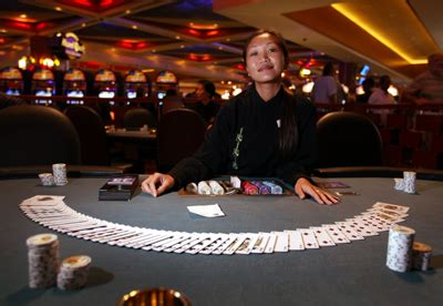 play poker   casino howstuffworks