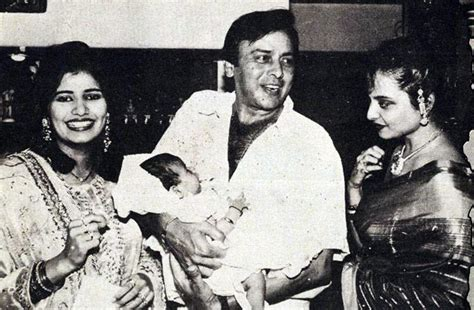 actor karthik brother ganesh rare photo vinod mehra with rekha wife kiran and baby
