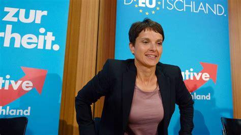 Ein Friseur Afd Vorsitzende Frauke Petry Findet Keine Wohnung In