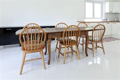 esszimmerstühle aus holz esszimmerst 252 hle stapelbar freischwingend aus holz oder