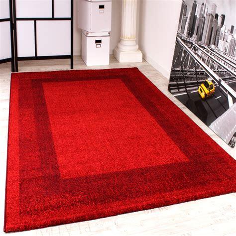 großer weißer teppich was passt zu roten fliesen