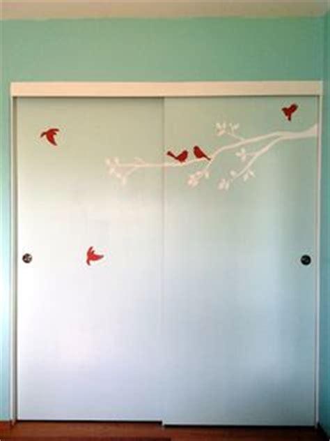 Painting Sliding Closet Doors by Closet Doors On Sliding Closet Doors Painted