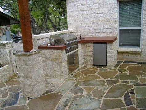 outdoor grilling station with grand turbo grill stained