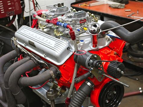 Small Block Chevy Engine by Inside A 327ci Small Block Chevy Recreated For A Cheetah
