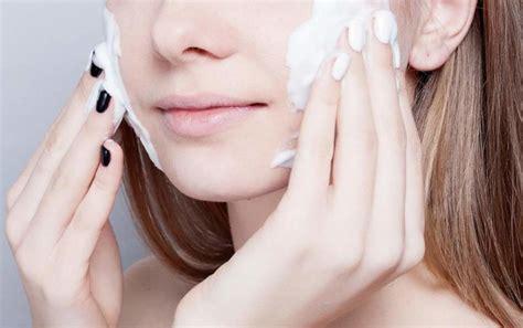 rekomendasi produk sabun wajah  ampuh mengatasi