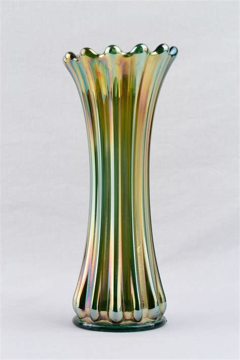 westmoreland ribbed green carnival glass 9 1 4 inch vase