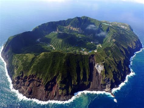amazing places in the world the 100 most beautiful and breathtaking places in the
