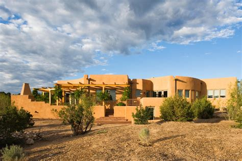 adobe home in new mexico southwestern exterior