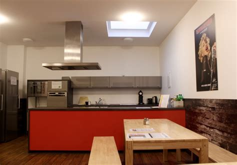 Microwave Rewez relax at cologne downtown hostel in the most visited city