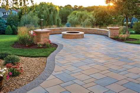 Curved Patio Pavers by Picturesque Patio Paver Patio Pit And Curved Seat