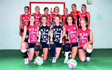 asta mobile cuneo volley l asta mobile caselle volley sconfigge cuneo
