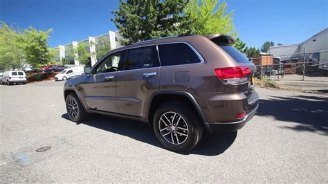 brown jeep grand 2017 2017 jeep grand limited 4x4 walnut brown