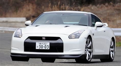 Nissan Quality Issues by Nissan Gt R Beats The Germans Again Car Magazine