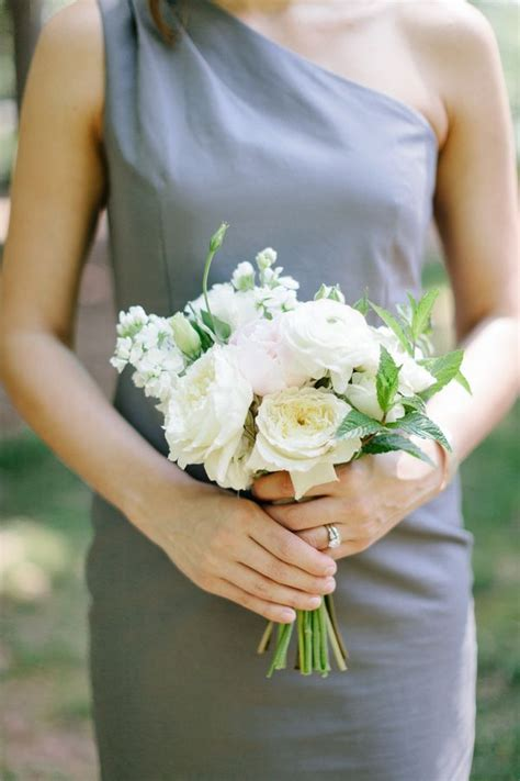 And Bridesmaids Bouquets by White Bridesmaids Bouquet Bridesmaid Bouquets Wedding