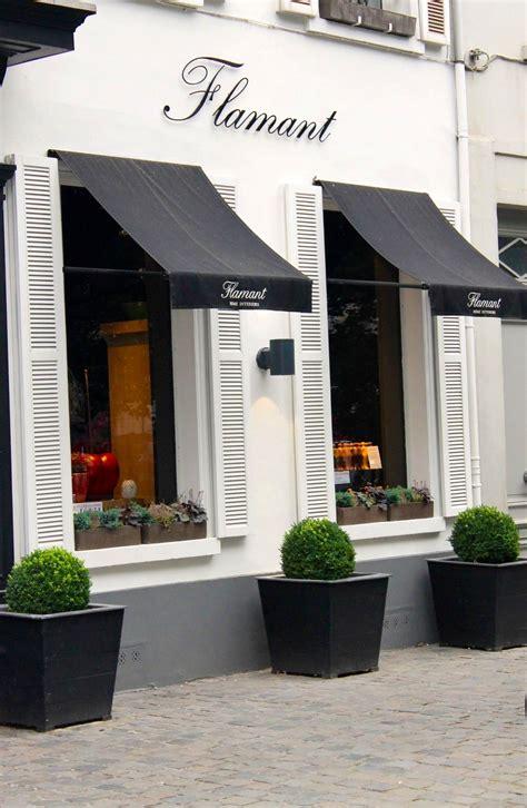 storefront awning designs tienda muy se 241 orial y elegante marca la diferencia frente