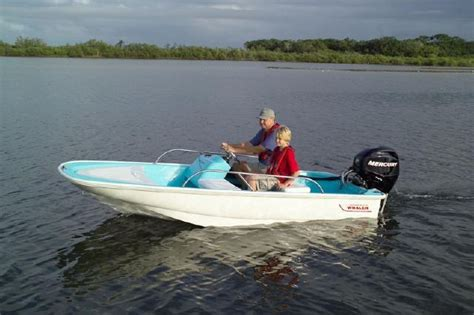 boston whaler boat pics whalercentral boston whaler boat information and photos