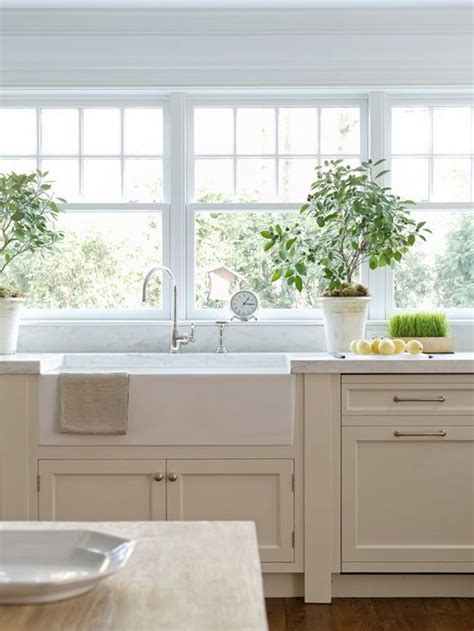 cream shaker kitchen cabinets off white shaker style cabinets i am in the process of