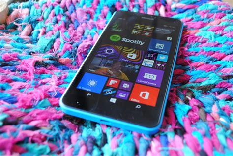 siente la experiencia de un lumia 640 con windows 10 mobile toma de contacto con el lumia 640 xl