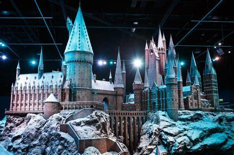 hogwarts   snow  coming    harry potter