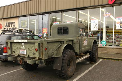 jeep gladiator military old parked cars 1968 jeep military gladiator