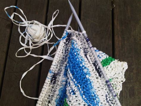 how to knit with plastic bags how to knit with plastic bags style guru fashion glitz