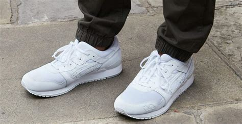 how to keep white shoes white the idle