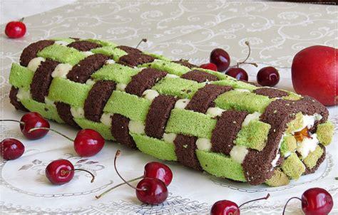 ispanakli rulo pasta tarifi meyveli damla cikolatali yas pasta oktay usta ıspanaklı rulo pasta tarifi