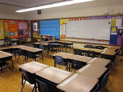 the 25 best classroom desk arrangement ideas on
