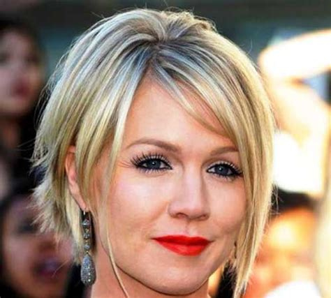 short bobsfor women in their 40 short bob haircuts for women over 40 best short hair styles