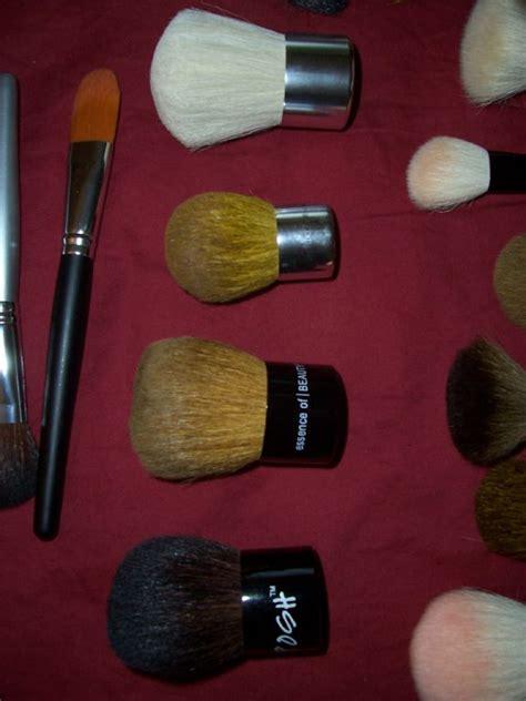 Kabuki Make Up Brush Brown bareminerals kabuki brush reviews photos filter reviewer eye color brown makeupalley