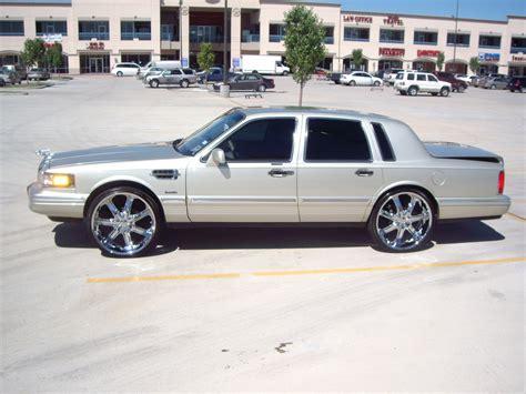 1997 lincoln town car specs jonno8323 1997 lincoln town car specs photos