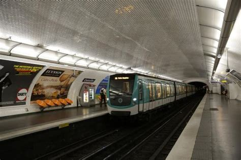 PARIS. Métro. Ligne 2. Station de Courcelles.   Picture of Paris Metro, Paris   TripAdvisor