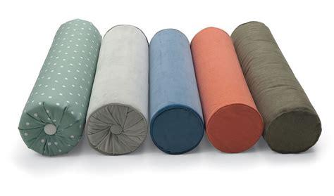 cuscini a rullo cuscini a rullo di twils lartdevivre arredamento