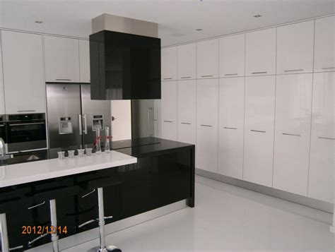 high gloss black kitchen cabinets black and white high gloss kitchen cabinets