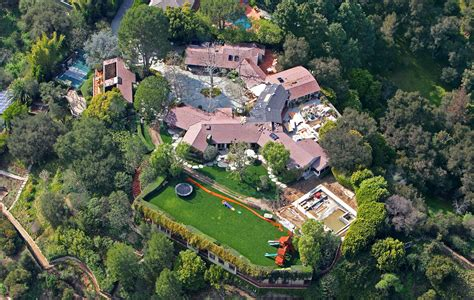 Three Story Homes by Ben Affleck Jennifer Garner Divorce Selling House