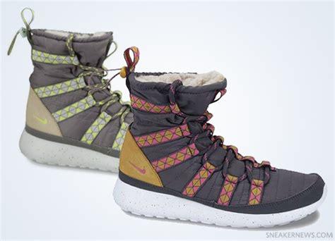 nike roshe boot nike wmns roshe run winter boot sneakernews