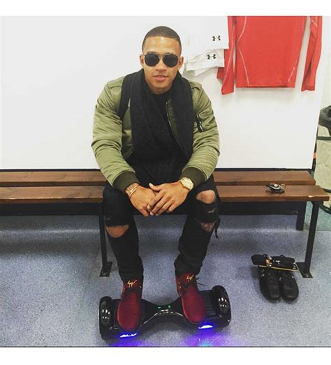 memphis depay new hair style the most stylish men of the premier league gq india