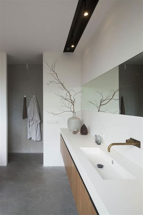 long narrow bathroom sinks 25 best ideas about long narrow bathroom on pinterest