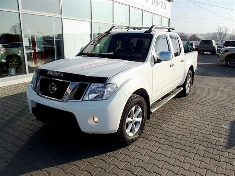 2010 Nissan Navara Images 2500cc Diesel Automatic For Sale